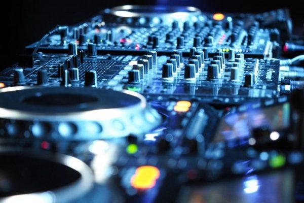 Geluid-Pioneer-dj-set